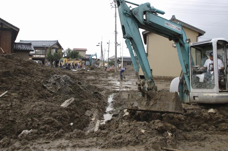 災害の土砂処理時に境界杭が以前と違う場所に戻された